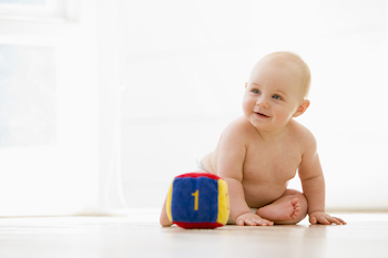 Wann kann ein Baby sitzen?